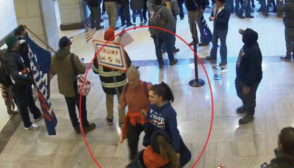 KONGRESS-STORMING: Jean Lavin (56) og datteren hennes Carla Krzywicki (19) var inne i Kongressbygningen den 6. januar. Foto: FBI.