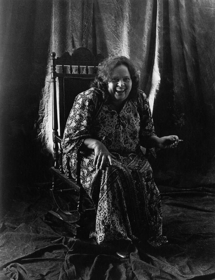 MIDTPUNKTET: Marie Takvam var kjent for sin sjarm, og for å være festens midtpunkt. Foto: Kagge