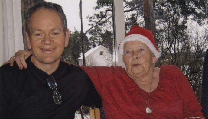 DET SISTE BILDET: Magnus Takvam med moren Marie, på slutten av hennes liv. Foto: Privat