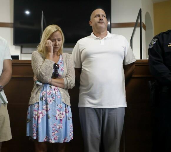 PÅ LETING: Gabby Petitos stemor Tara Petito og Joe Petito under politiets pressekonferanse 16. september, før 22-åringen ble funnet død. Foto: Octavio Jones/Getty Images/AFP