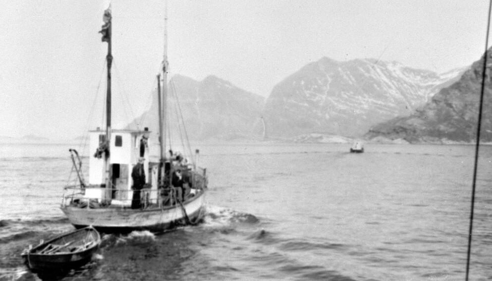 Dramatisk: Fiskeskøyter ble tatt i bruk da Norges gull ble fraktet i sikkerhet i 1940. Foto: NTB