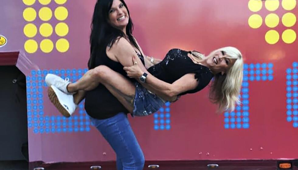 PAR I HJERTER: 80-tallsikonet Samantha Fox fant tonen med Hvaler-kvinnen Linda Olsen i 2014. To år etter inviterte hun henne ut. Foto: Lillian Thorbjørnsen