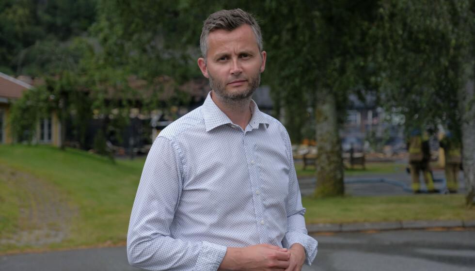 KRITISK: Per Sverre Kvinlaug er Kjell Ingolf Ropstads egen fylkesleder. Han sier saken er alvorlig, og at den rokker ved tillten til Ropstad som KrFs partileder. Foto: Tor Erik Schrøder / NTB