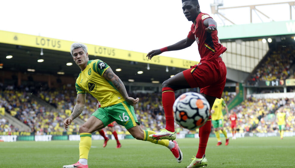 ASSIST: Mathias Normann noterte seg for sitt første målpoeng for Norwich. Foto: Reuters/Matthew Childs