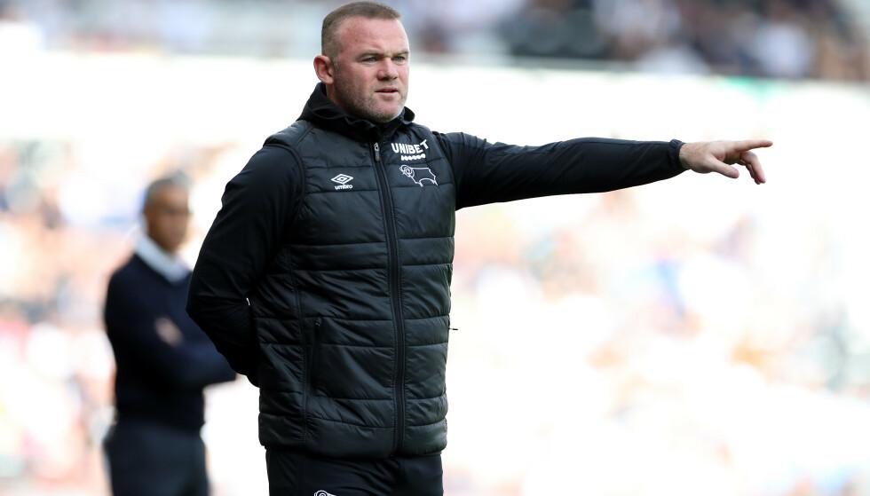 I AKSJON: Rooney dirigerer sine spillere fra sidelinja. Foto: Pa
