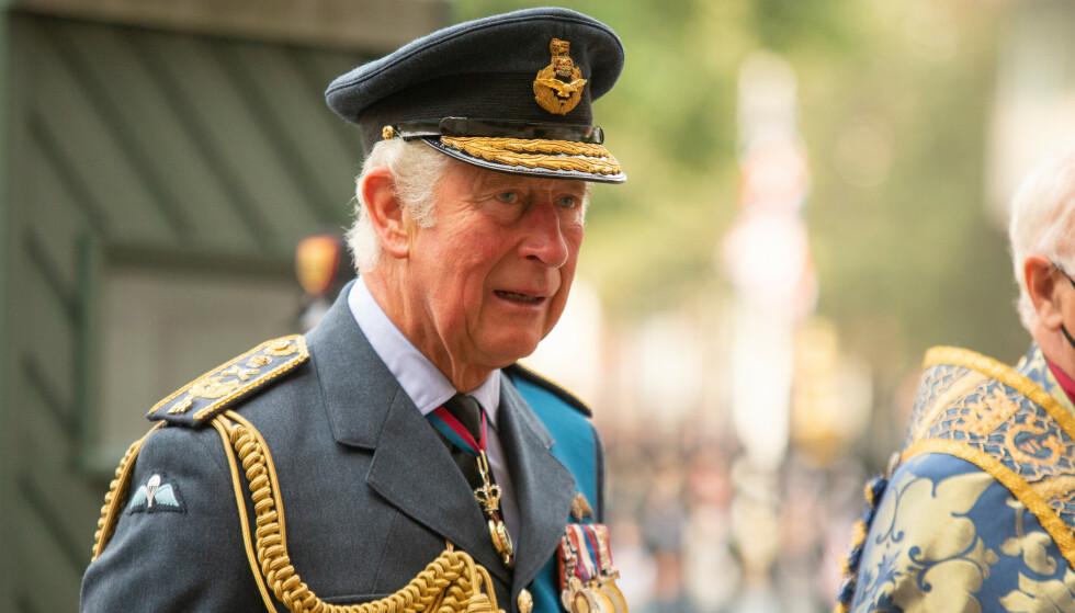 I HARDT VÆR: Prins Charles er for tida midt i en etterforskning, etter at opplysninger om salg av æresorden og statsborgerskap skal ha kommet fram. Foto: James Manning / Pa Photos / NTB