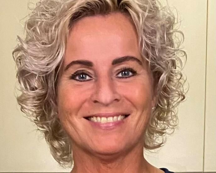 NÆRING: Bente Pedersen (51) blir bekymret for at hennes far ikke får i seg nok næring. Foto: Privat
