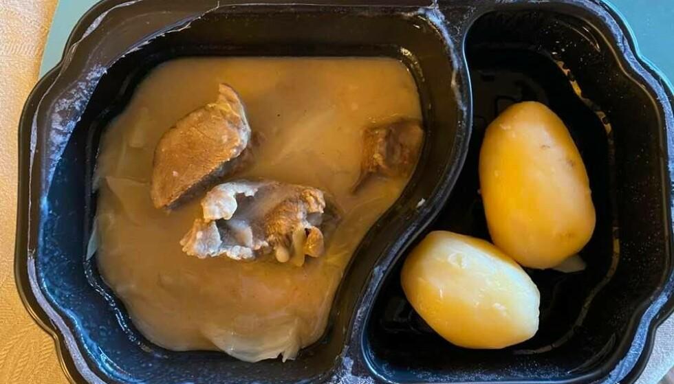 UDELIKAT: Dette er fårikålmiddagen Bente Pedersens far fikk servert til middag: - Så veldig udelikat ut, sier hun til Dagbladet. Foto: Privat