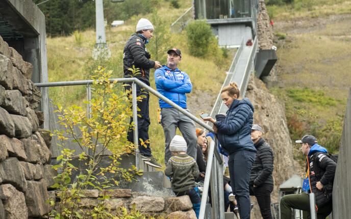 TIL STEDE: Clas Brede Bråthen trives aller best blant sine egne i hoppbakken. Foto: Annika Byrde / NTB