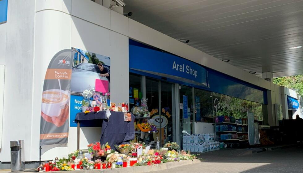 DREPT: En 20-åring snatt ved denne bensinstasjonen i Tyskland ble lørdag skutt og drept etter en munnbindkrangel. Foto: Annkathrin Weiss / Reuters / NTB