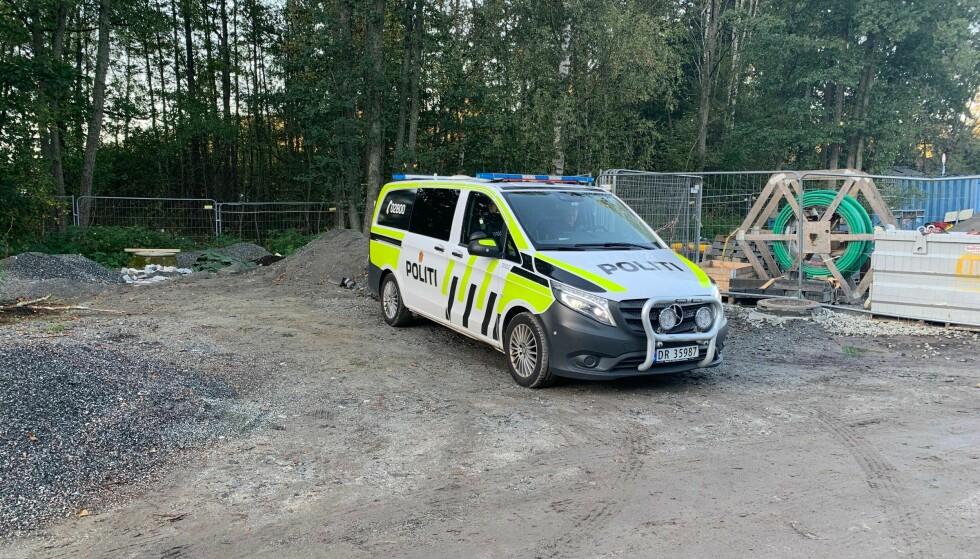 RYKKET UT: Politiet rykket umiddelbart ut til stedet. Foto: Hans-Martin Thømt Ruud/ Dagbladet