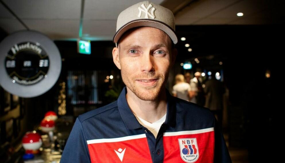 MARKEDSSJEF FOR HOPPERNE: Bjørn Einar Romøren, her fotografert på Veitvet i Oslo. Foto: Nina Hansen