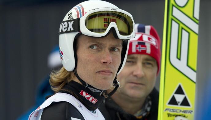 FLOTT KARRIERE: Bjørn Einar Romøren satte verdensrekord med 239 meter i 2005. I bakgrunnen: Sportssjef Clas Brede Bråthen. Bildet er fra 2010. Foto: Terje Bendiksby / NTB