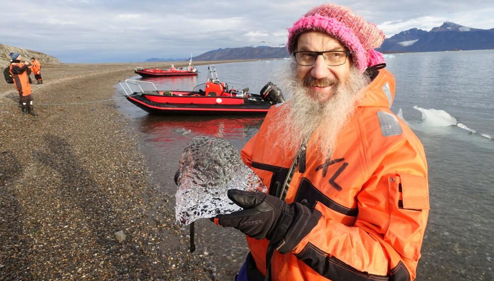 FRA KINA TIL SVALBARD: Internasjonal direktør Kim Holmén utløste full corona-alarm da han kom til Longyearbyen i slutten av januar 2020. Foto: Harald Dag Jølle, Norsk Polarinstitutt.