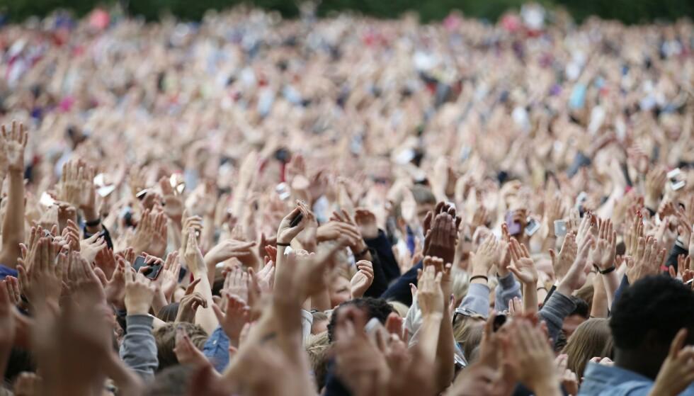 RETT RUNDT HJØRNET: Neste trinn i regjeringens gjenåpningsplan vil åpne opp for at mange kan samles til konsert igjen. Foto: Cornelius Poppe / NTB