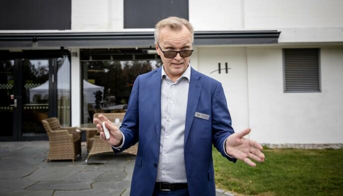 ORDKNAPP: Hotellsjef Dag Skaug ved Hurdalsjøen hotell, henviser til hotelldirektør Gjerstad når Dagbladet konfonterer ham med misnøyen i Strix. Foto: Nina Hansen / DAGBLADET