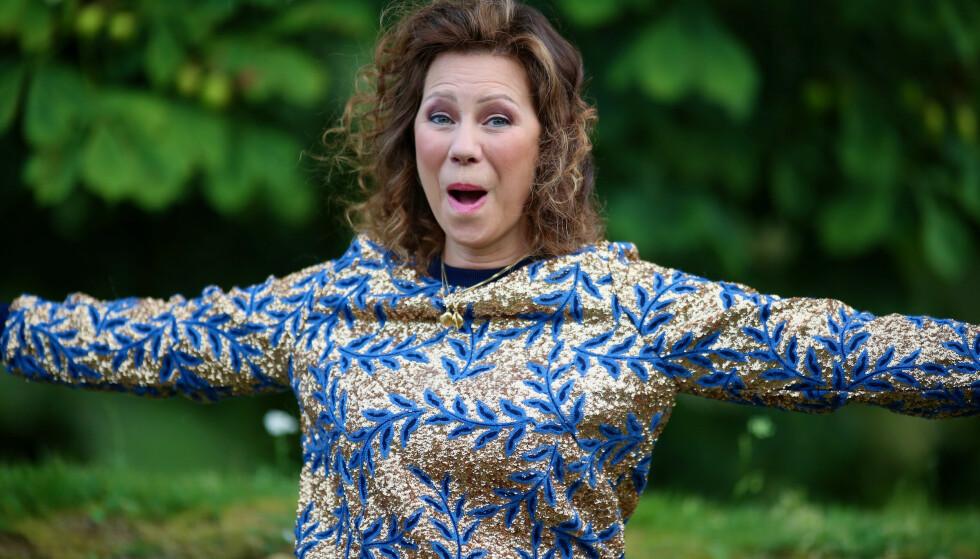 JUBEL: Trine Rein er overlykkelig over at bransjen nå kan vende tilbake til normalen. Foto: TV2/NTB