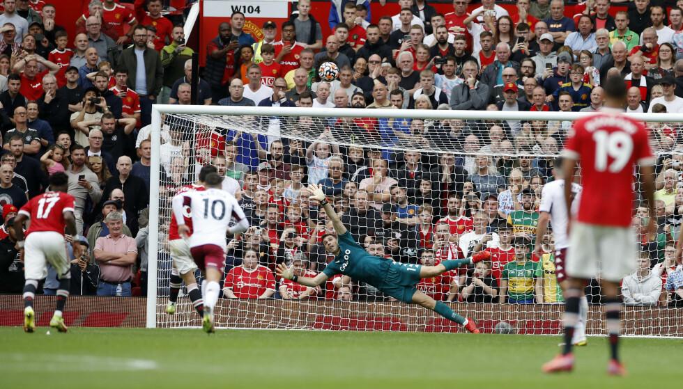 KJEMPEBOM: Bruno Fernandes blåste straffesparket over mål. Foto: REUTERS/Phil Noble