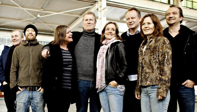 HYLLER HOLMEN: Aksel Hennie (nr to fra venstre) spilte mot Kjersti Holmen i filmen «Regnskap». Foto: Lars Eivind Bones/Dagbladet