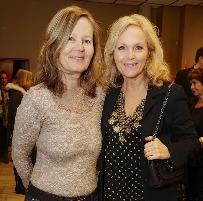 NÆRE VENNER: Kjersti Holmen og Guri Schanke under premieren av «Da Hilde ble 50» i 2017. Foto: Tore Skaar/Se og Hør