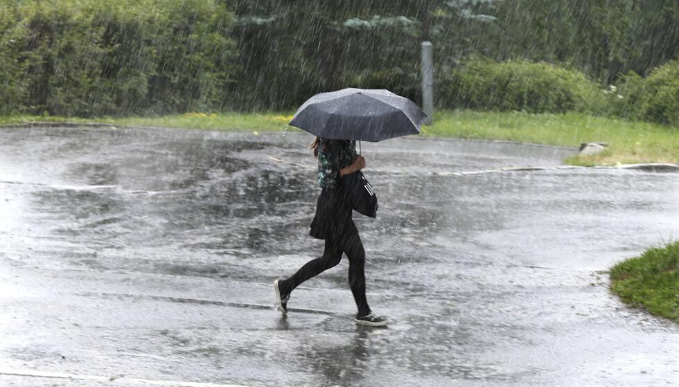 REGN: Meteorologisk institutt har sendt ut farevarsel for mye nedbør i Vestfold, Telemark og i Agder. Foto: Vidar Ruud / NTB