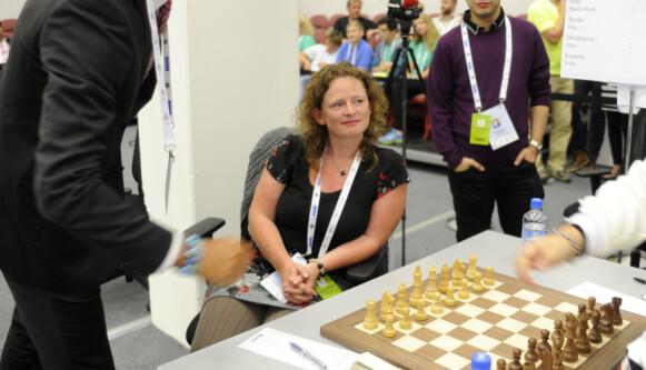 USIKKER: Sjakkspiller Sheila Barth Stanford er ikke helt sikker på hva hun tenker om saken. Foto: Rune Stoltz Bertinussen / NTB