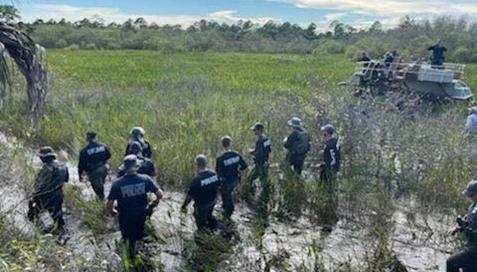 LETEAKSJON: Politiet har satt i gang en massiv leteaksjon etter Brian Laundrie i Florida. Dette bildet er fra leteaksjonen den 24.september. Foto: North Port Police Department