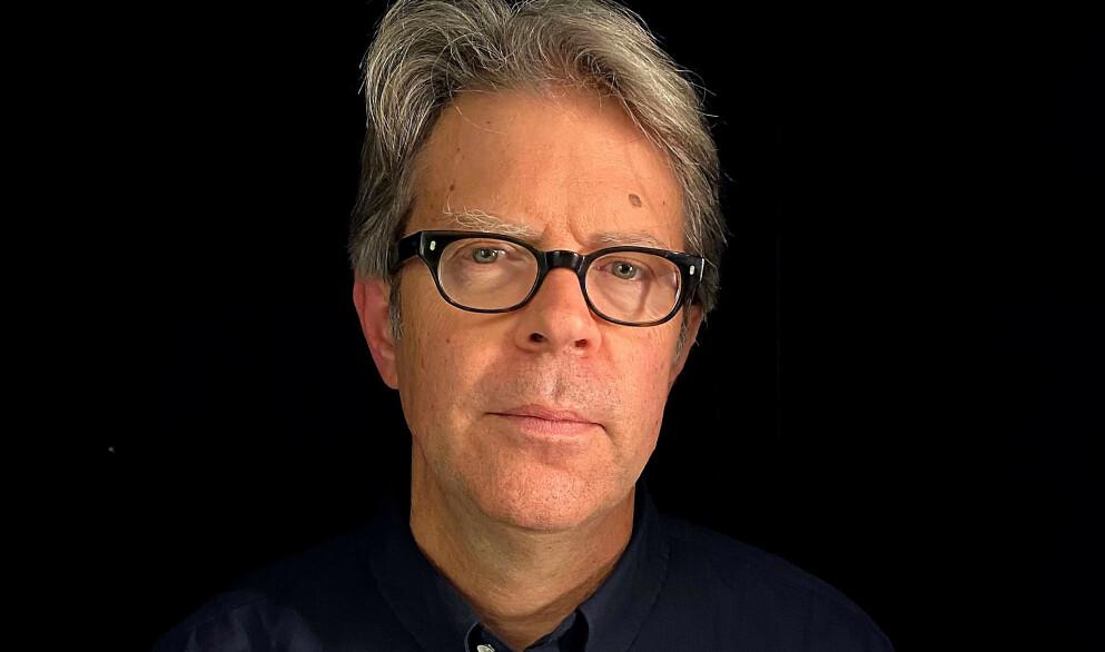 JONATHAN FRANZEN: Amerikansk forfatter, kjent for sine mursteinsromaner om familieliv i Amerika, også omtalt som en stemme for vår tid. Foto: Cappelen Damm