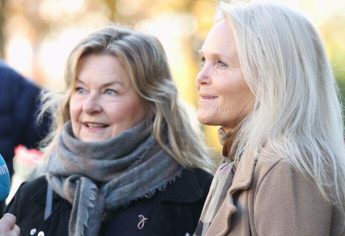 TIL STEDE: Elisabeth Andreassen og Guri Schanke. Foto: Andreas Fadum/Se og Hør