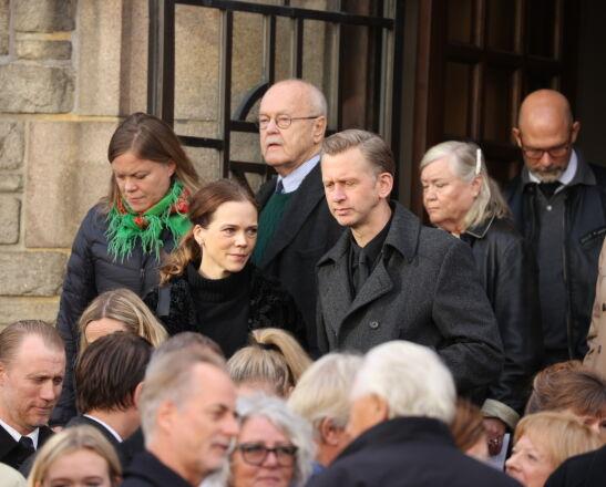 FULLSATT KIRKE: Ane Dahl Torp etter bisettelsen mandag. Foto: Andreas Fadum/Se og Hør