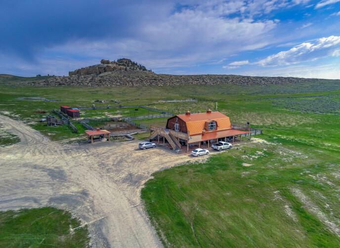 ENORM TOMT: Monster Lake Ranch-tomten er på hele 36 400 dekar. Foto: NTB