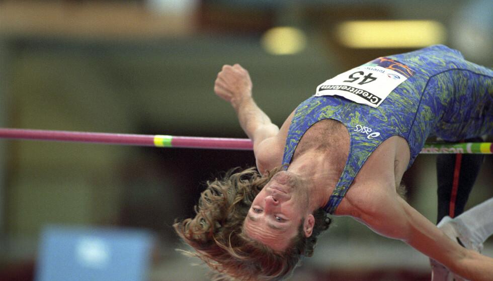 OL-HELT: Patrik Sjöberg er en meritert OL-utøver. Her fra da han var aktiv i 1996. Foto: NTB