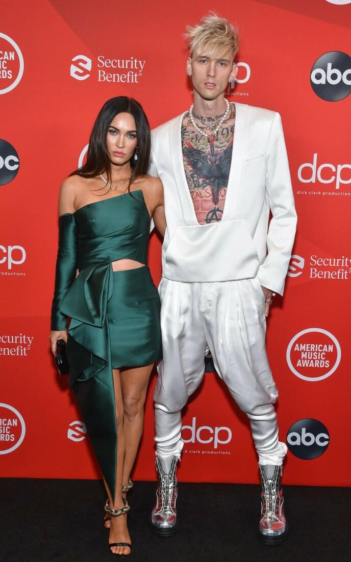 STJERNEPAR: Megan Fox og Machine Gun Kelly på American Music Awards i 2020. Foto: AFP/ABC/NTB.