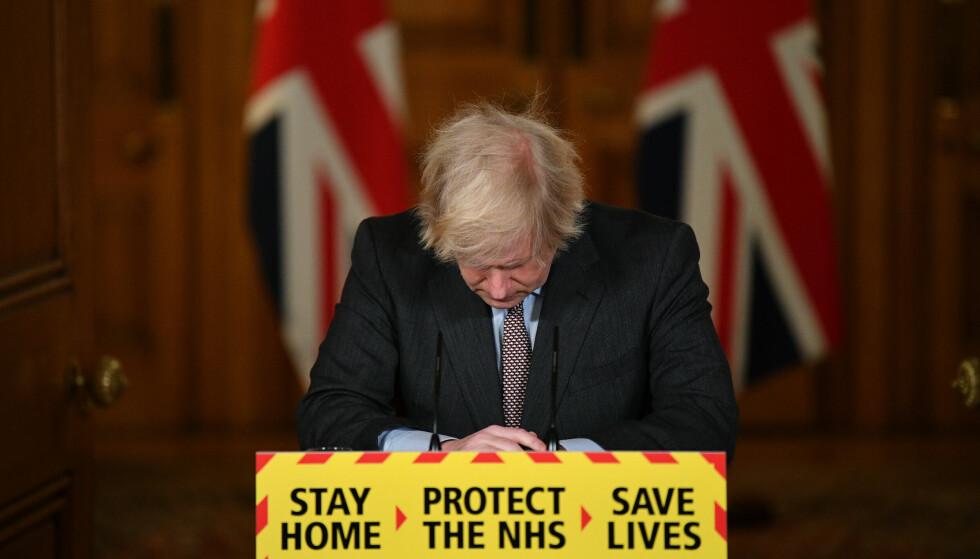SEIN: Regjeringen i Storbritannia lukket ikke ned landet før den 23. mars 2020. Det får de nå massiv kritikk for i en ny rapport. Foto: PA Photos/ Justin Tallis/ NTB