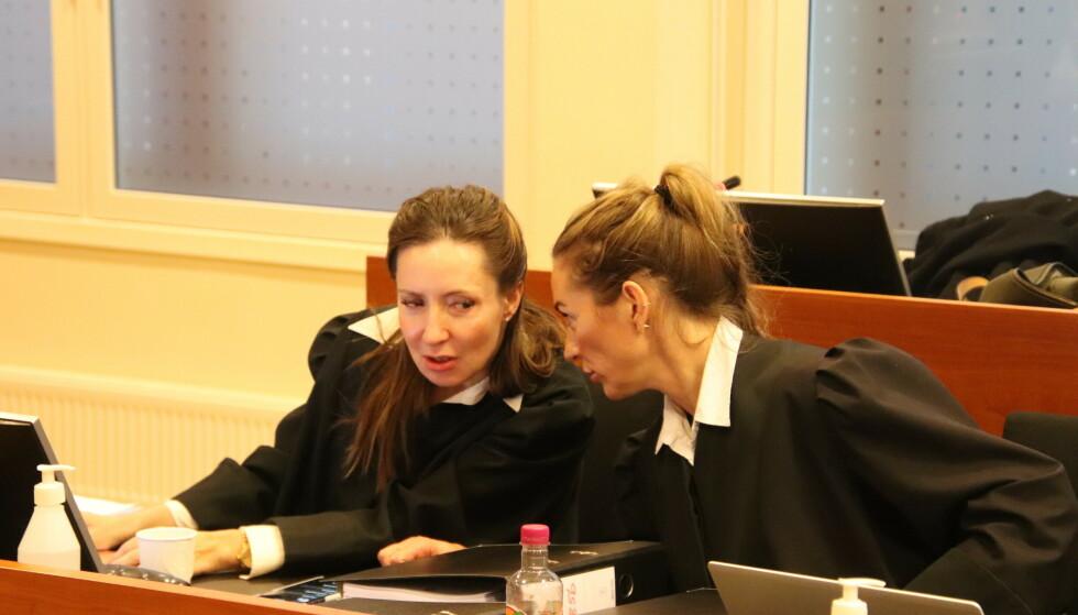 FORSVARERE: Det er advokatene Victoria Holmen (t.v.) og Ida Andenæs som forsvarer Gaute Drevdal i lagmannsretten. Foto: Stian Drake / Dagbladet