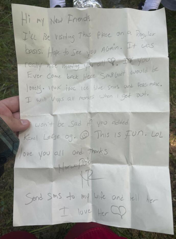 SKREV BREV: Her er brevet, handlelista om du vil, som Robert Michael Scott la igjen i skogen for å fikse seg enda mer mat. Foto: Privat