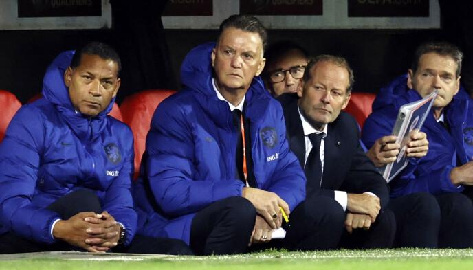 STØ KURS: Louis van Gaal og Nederland slo Gibraltar komfortabelt 6-0 mandag kveld. Foto: NTB