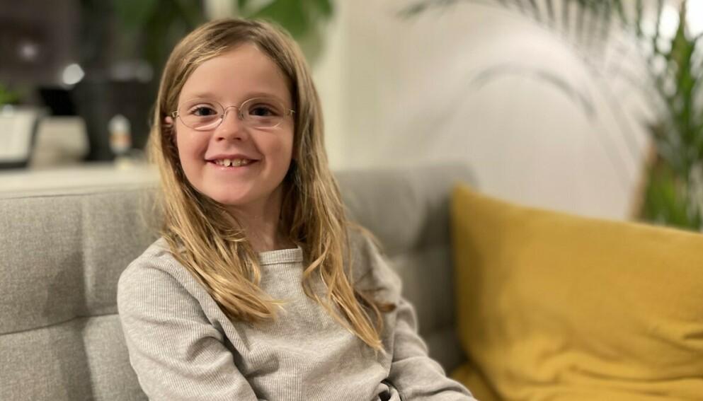TAR KAMPEN: Ruby er opptatt av at alle barn som trenger det skal få støtte til kjøp av briller. Foto: Privat