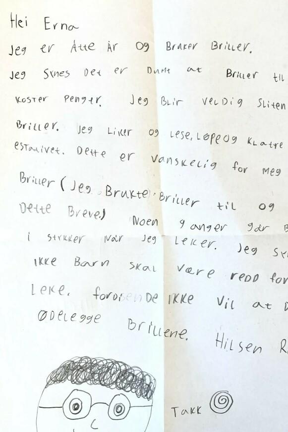 BREV: Dette brevet sendte Ruby (9) til Erna Solberg. Foto: Blindeforbundet