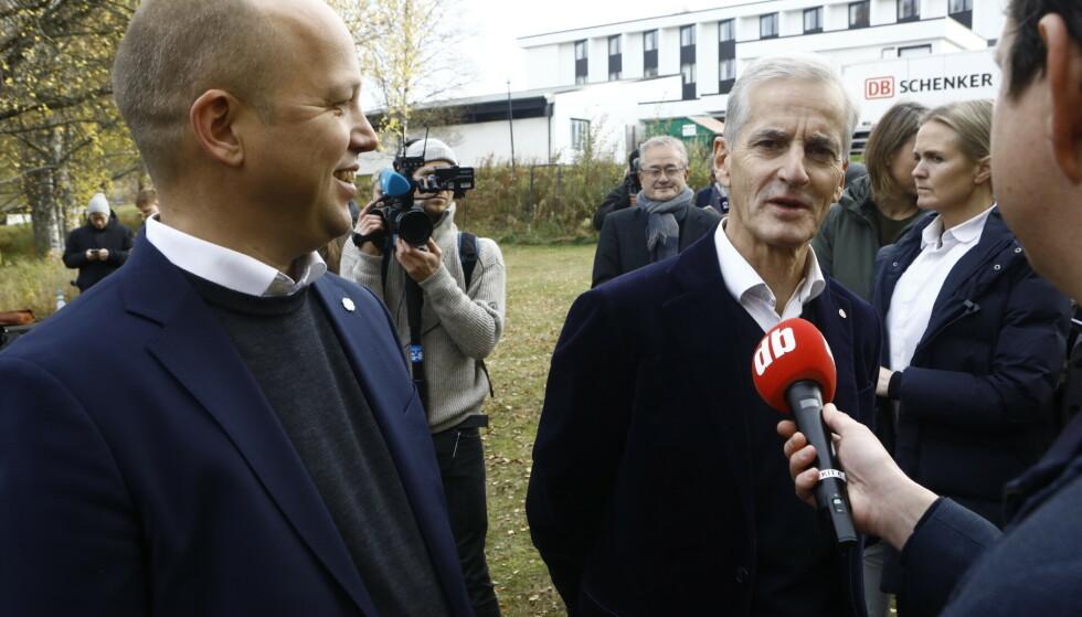 PRESENTERTE PLATTFORMEN: Onsdag la Jonas Gahr Støre og Trygve Slagsvold Vedum fram regjeringsplattformen. FOTO: Bjørn Langsem / Dagbladet