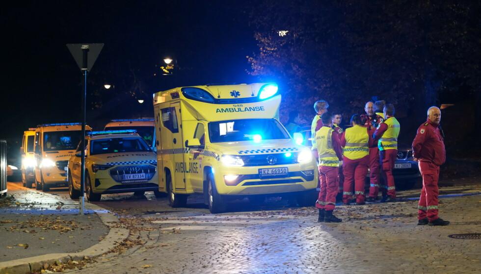 SPERRINGER: Store deler av Kongsberg ble sperret av. Foto: Joakim Fjeldli