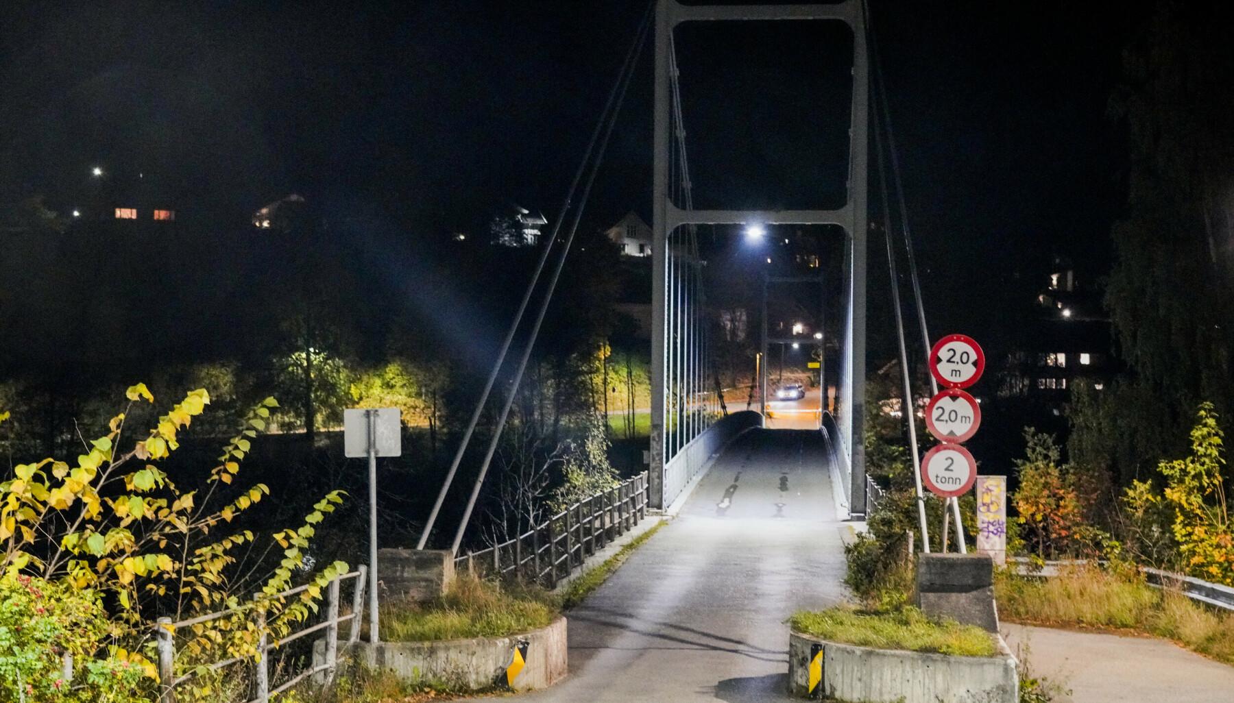 Kongsberg 20201014.  Politiet gjør undersøkelser i Kongsberg sentrum etter at fem personer er funnet drept. Foto: Terje Bendiksby / NTB