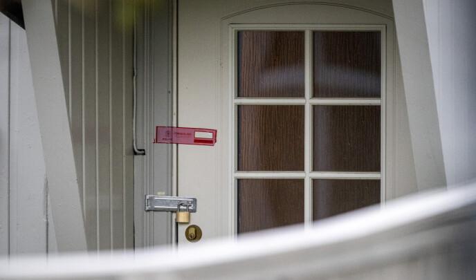 PLOMBERT: Politiet har sperret av den siktede mannens bolig i Kongsberg. Foto: Bjørn Langsem / Dagbladet