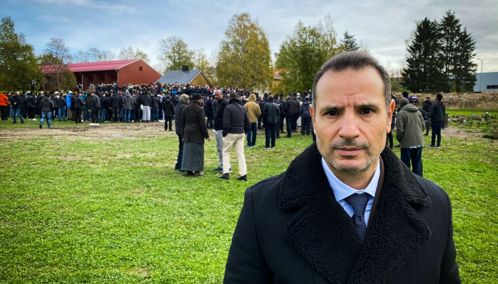 BISTAND: Advokat Farid Bouras ved advokatkontoret Elden følger opp familien til den drepte Hamse Hashi Adan tett. Foto: Øistein Norum Monsen/ Dagbladet