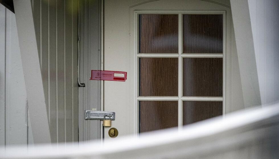 PLOMBERT: Politiet har sperret av boligen til den siktede mannen. Foto: Bjørn Langsem / Dagbladet