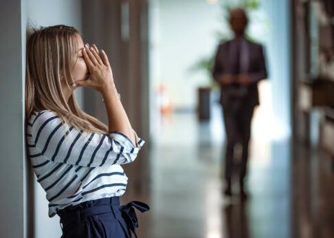 Blir du stresset i sosiale settinger etter korona? - Rådet er enkelt