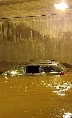 Image: Havnet i dyp dam - personer hentet ut