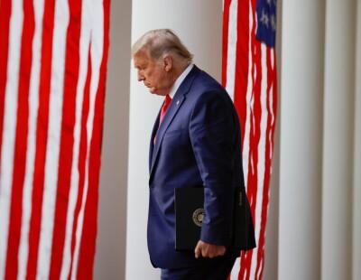 Image: Vender Trump ryggen: - En nasjonal flause