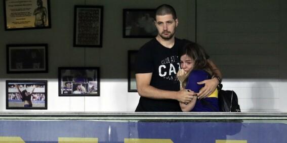 Image: Maradonas datter bryter sammen