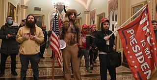 Image: «Sjamanen» ber Trump om benåding